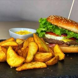 Buta burger with potato slices